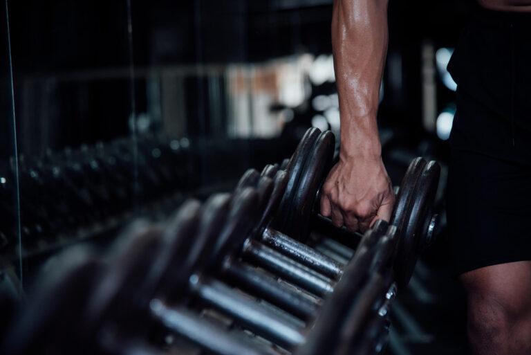 A creatina aumenta a força muscular em idosos?